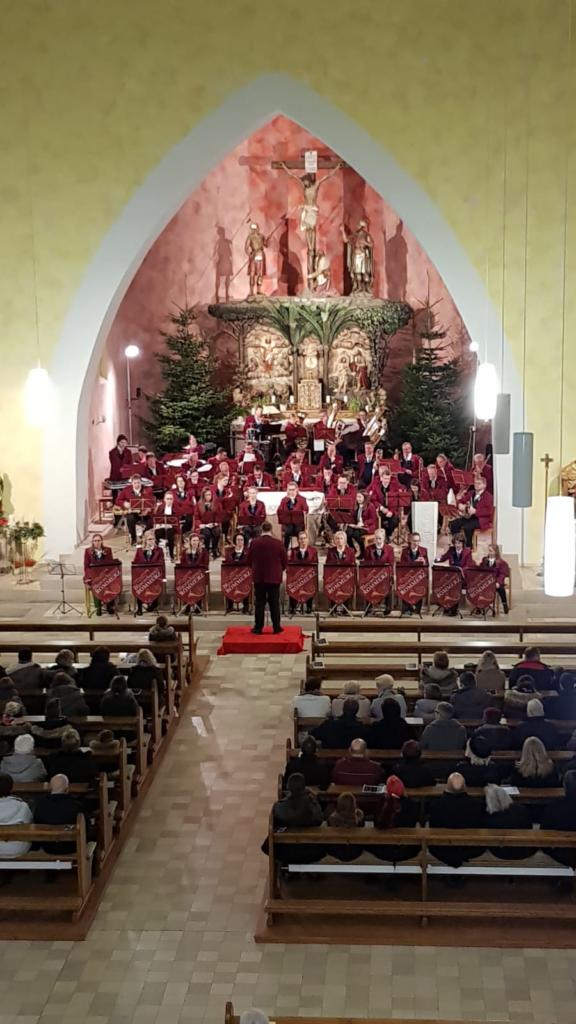Adventskonzert-Blasorchester-Rommerz